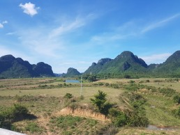travelling around phong nha